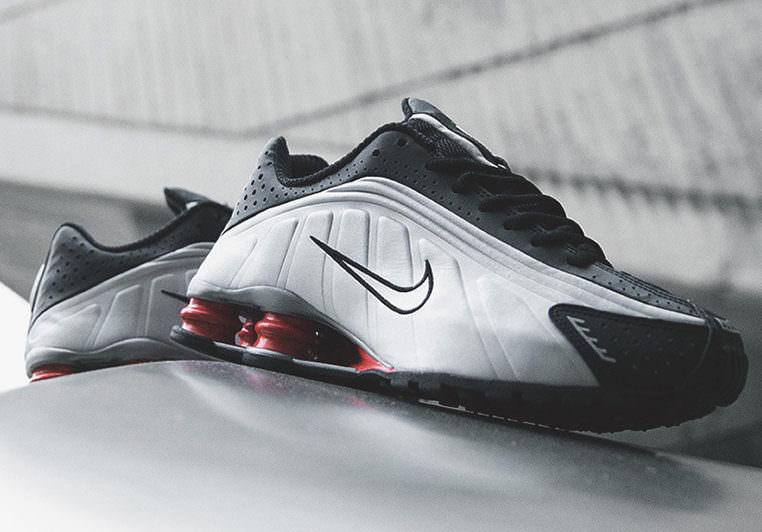 Nike Shox R4 Black/Silver