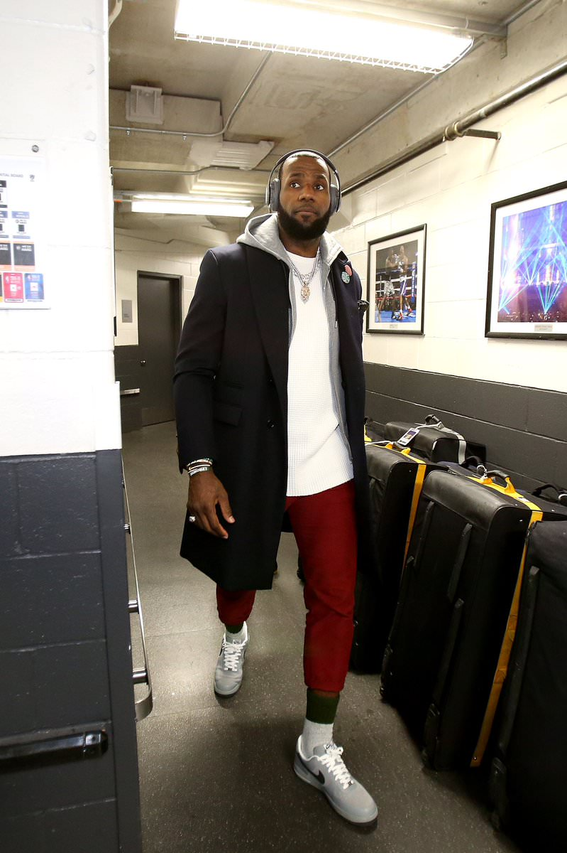 Lebron James in the Nike Air Force 1 Low