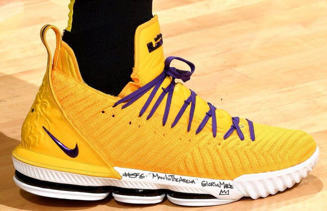 985bc0070c18 LeBron James in the Nike LeBron 16 PE vs. San Antonio Spurs (Andrew D.  Bernstein NBAE via Getty Images) ...