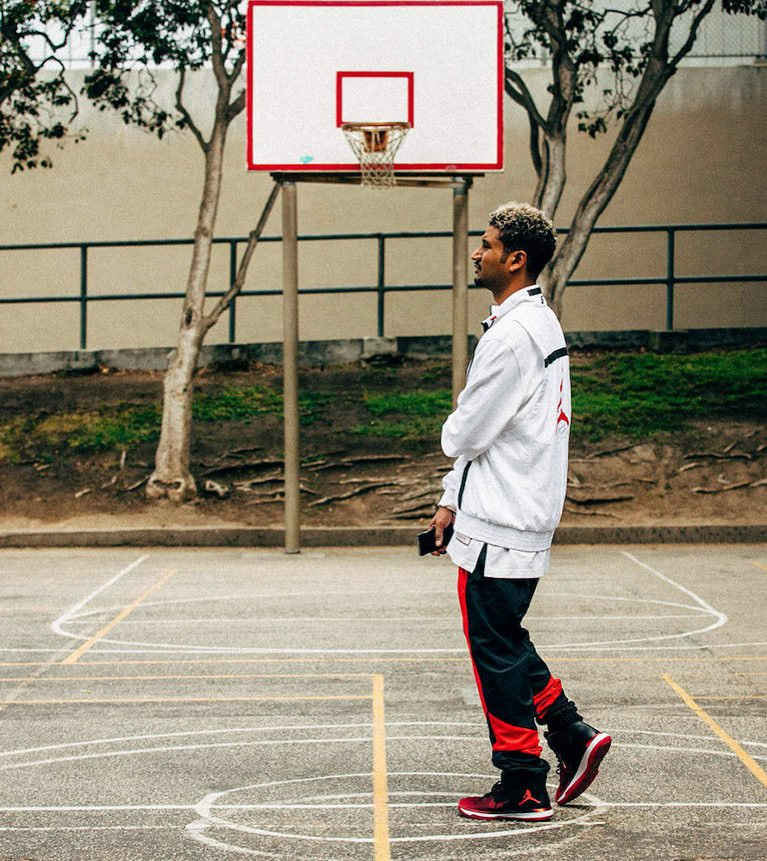 The retro made modern way to layer Jumpman essentials and gamed warm-ups.