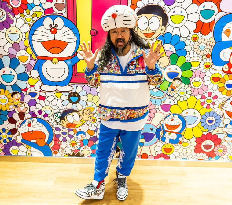 Murakami's color palette consists of patterns.