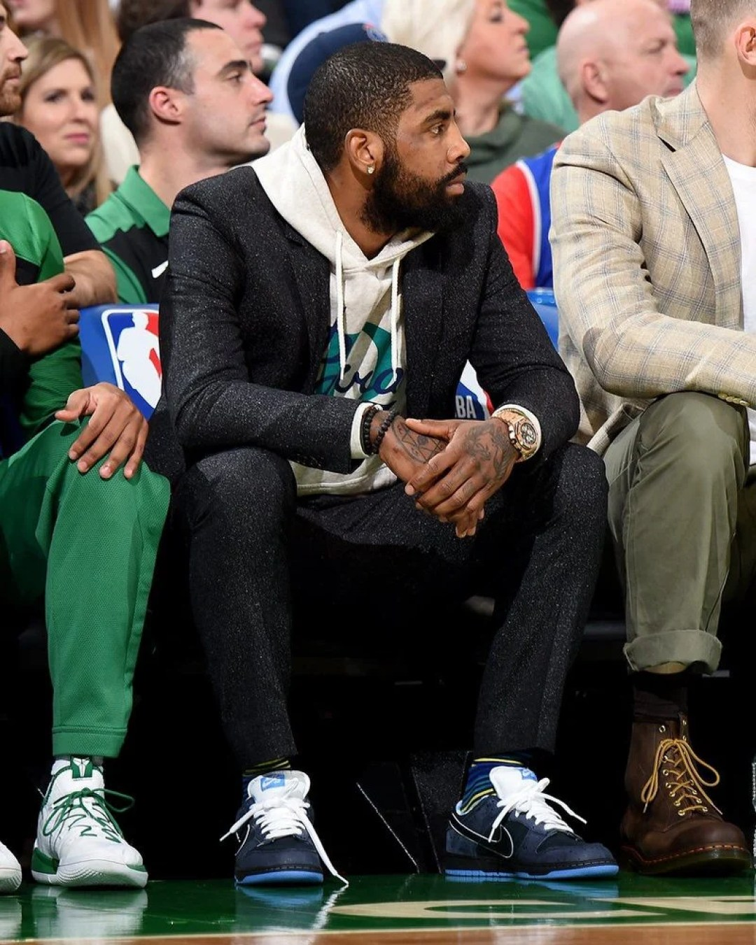 "half off 4b692 47db6 Kyrie Irving in the Concepts x Nike SB Dunk Low ""Blue Lobster"" vs. Dallas  Mavericks (Brian Babineau NBAE via Getty Images)"