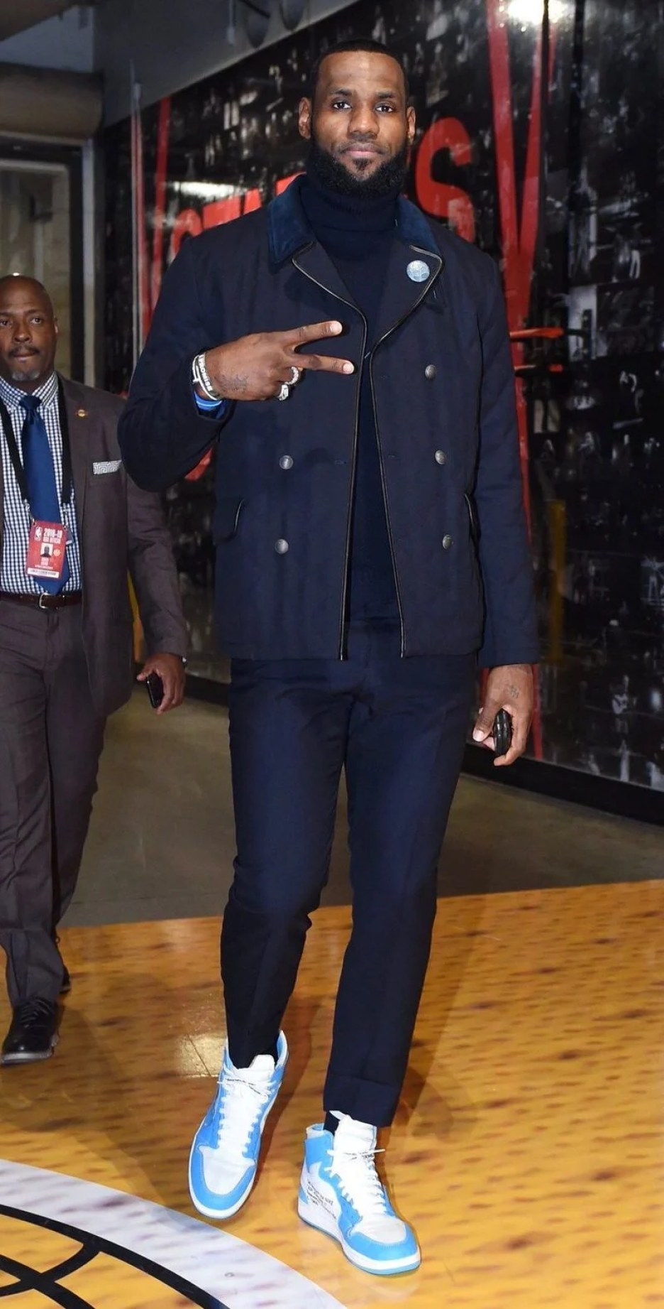 "LeBron James in the OFF-WHITE x Nike Air Jordan 1 ""UNC"" vs. Minnesota  Timberwolves 6404e274333a"
