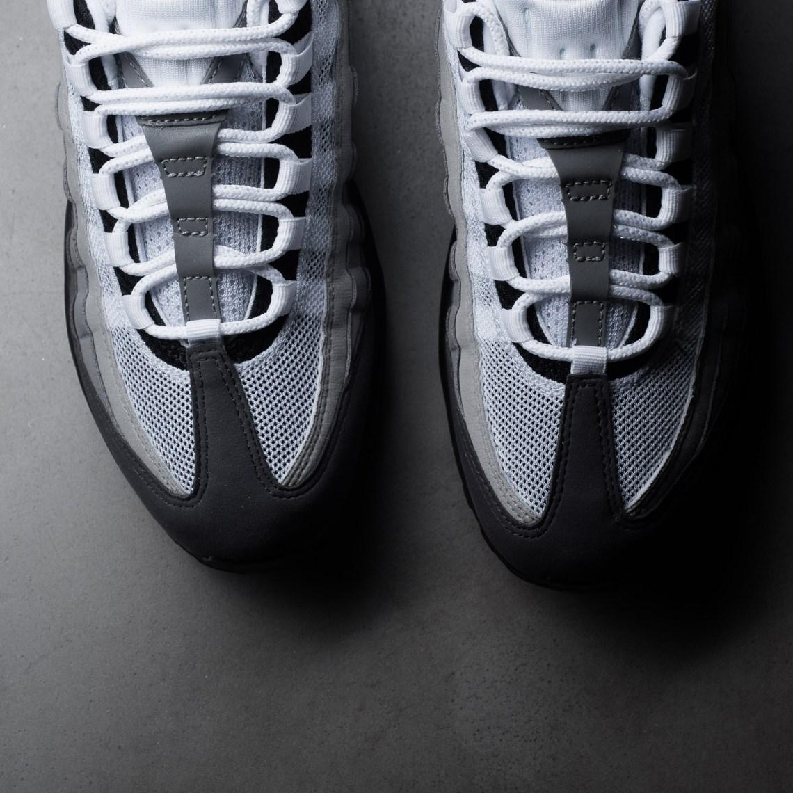 Nike Air Max 95 OG Goes Back to Basics  06d6a194c