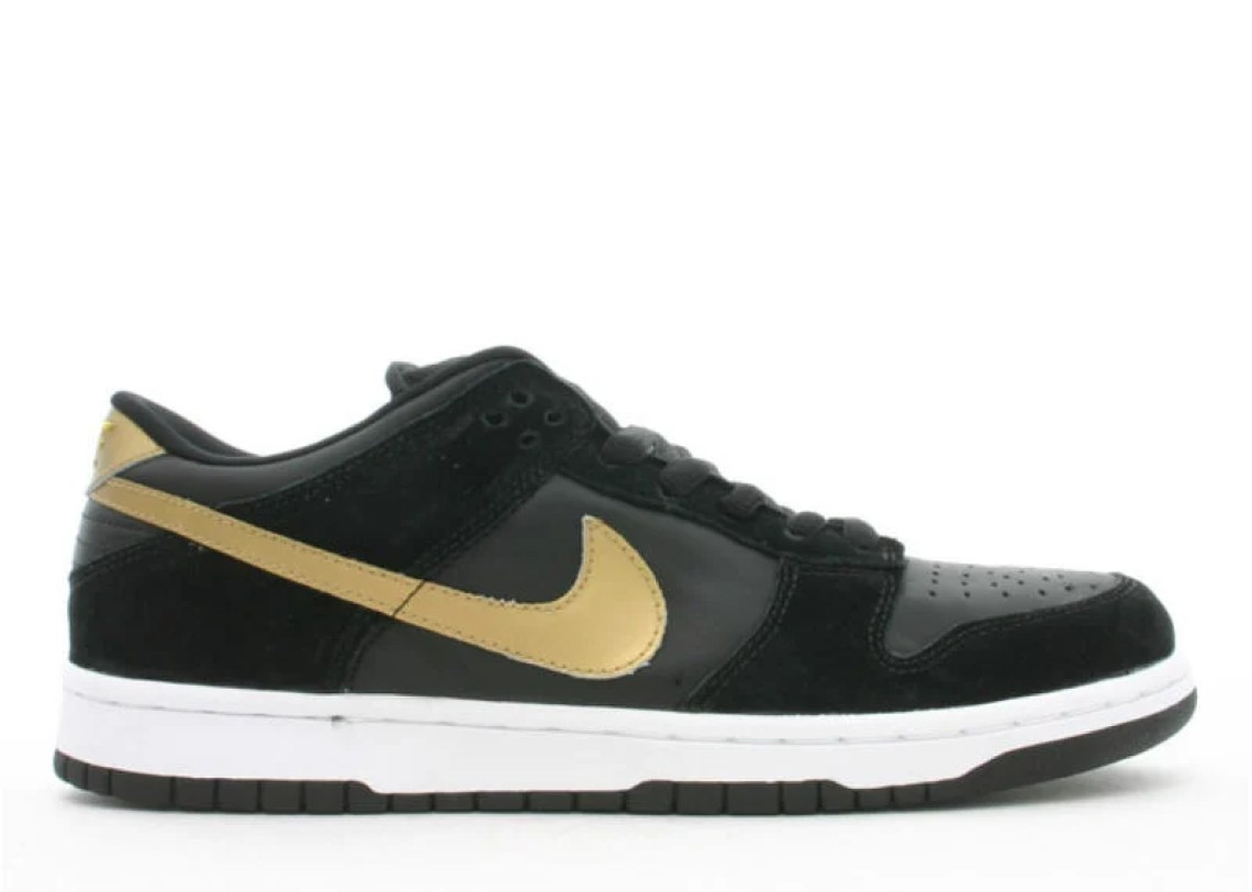 official photos 660a5 2592d Nike SB Dunk Low