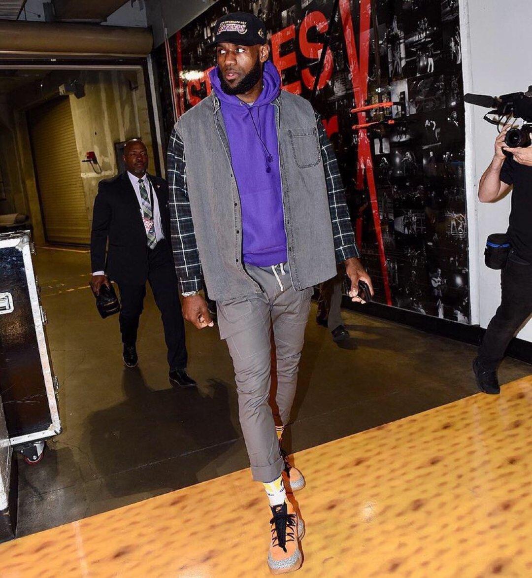 """Lebron James in the Nike LeBron 16 Low """"Safari"""""""