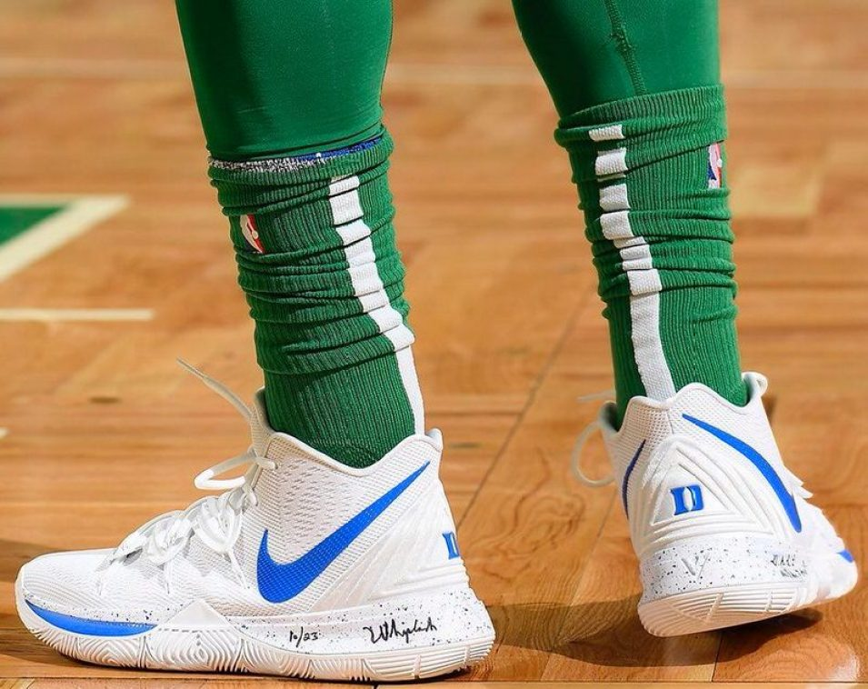 the best attitude e25ee b5a35 Kyrie Irving in the Nike Kyrie 5 Duke PE vs. Houston Rockets (Brian  Babineau NBAE via Getty Images) ...