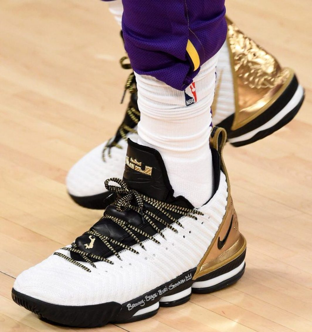 11514e1225d4 LeBron James in the Nike LeBron 16 PE vs. Houston Rockets (Adam  Pantozzi NBAE via Getty Images) ...