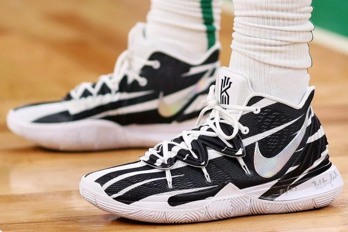 best service 56b44 7d7d1 ... Kyrie Irving in the Nike Kyrie 5 PE vs. Miami Heat (Maddie Meyer Getty  Images)