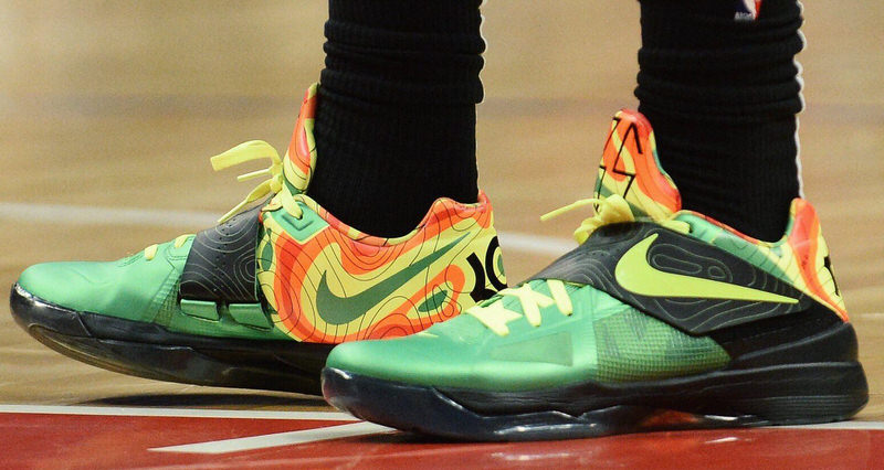 13f4b625698 The 10 Best Kicks On Court This Week