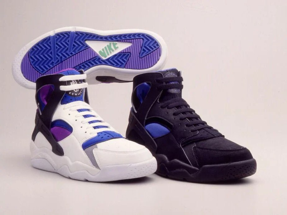Solitario Modernizar Arrepentimiento  Huarache Tech's Place In Nike Basketball History | Sneaker History -  Podcast, News, Merch, and Culture