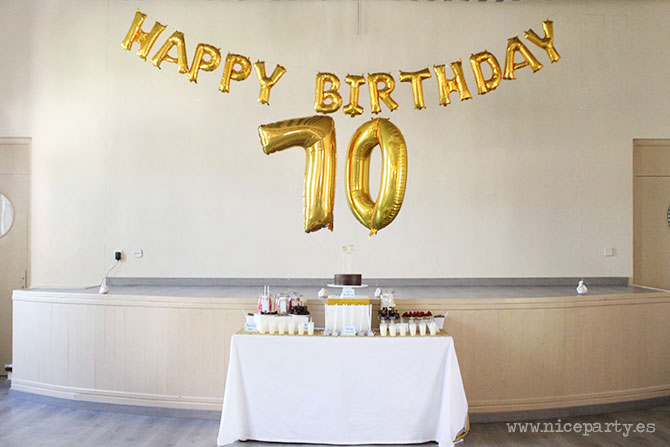 Nice Party fiesta 70 cumpleaños decoración y mesa de dulces dorado (7)