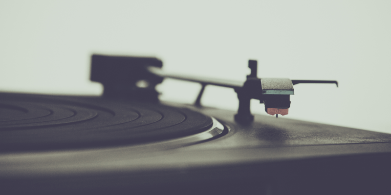 pexels-photo-96857-turntable-web