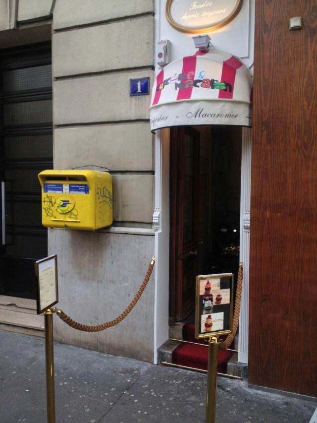 World's Tiniest Cupcake Shop
