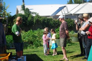 Chatting in the Sawtell public school kitchen garden...