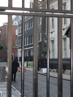 Downing Street protected by 1 million armed coppers with Heckler and Koch MP5 sub machine guns. And some hefty gates.