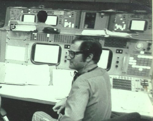 Sy Liebergot at Mission Control.
