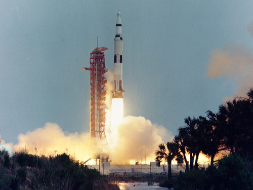 Apollo 13 lift-off