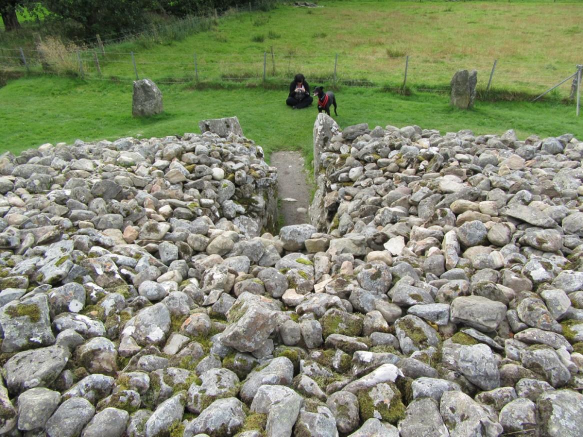 corrimony-chambered-cairn-stones