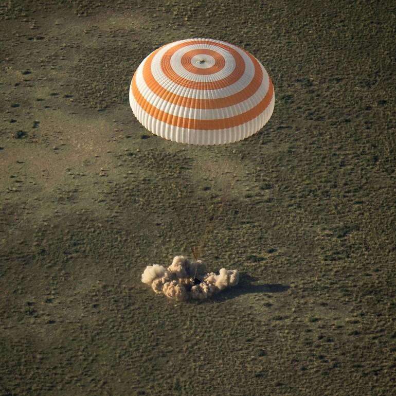Soyuz expedition 39 return