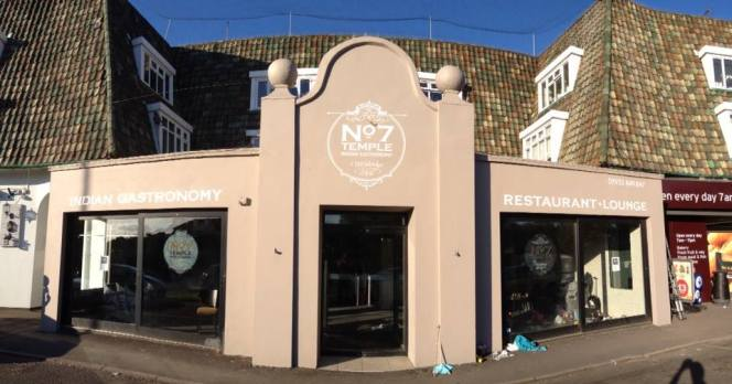 No7 Temple Indian Gastronomy, Weybridge, by NGS signwriters Nick and Tobi