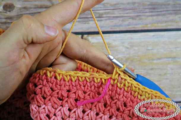 Easy Project Crochet Bag starting handle