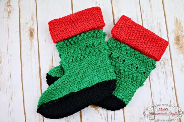 Adult Christmas Santa and Elf Booties Crochet Along - by Nicki's Homemade Crafts - Free Crochet Pattern #crochet #freecrochetpattern #santa #elf #booties #christmas #booties #boots