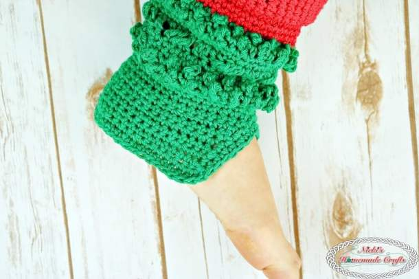 Finished the heel for the Adult Christmas Santa and Elf Booties - Free Crochet Pattern