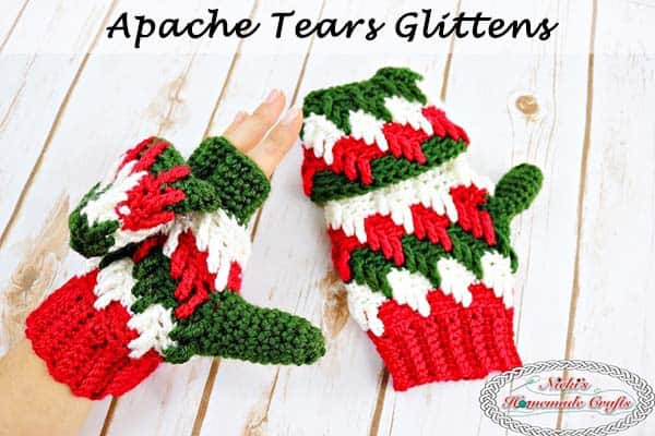 Apache Tears Glittens - Free Crochet Pattern by Nicki's Homemade Crafts These glittens are super cool as they are mittens and gloves at the same time. Perfect to be warm and cozy during the winter time, but also be able to use your phone. #crochet #freecrochetpattern #glittens #mittens #gloves #winter #christmas #knitpicks