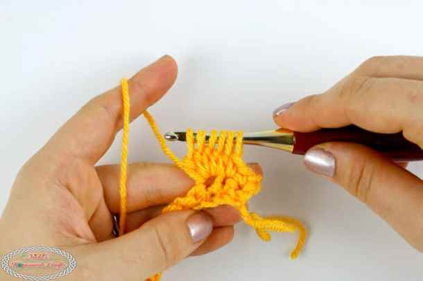 Making the cluster for the Honeycomb stitch