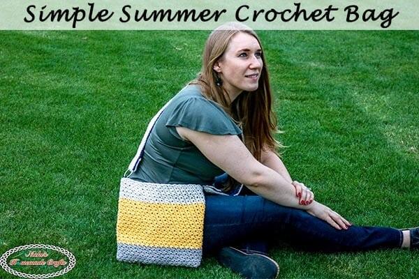 Simple Summer Crochet Bag on the grass