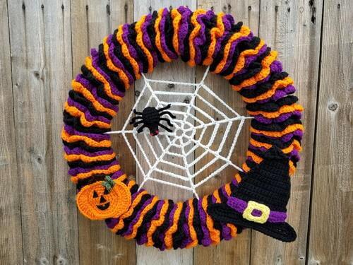 fall free crochet halloween wreath