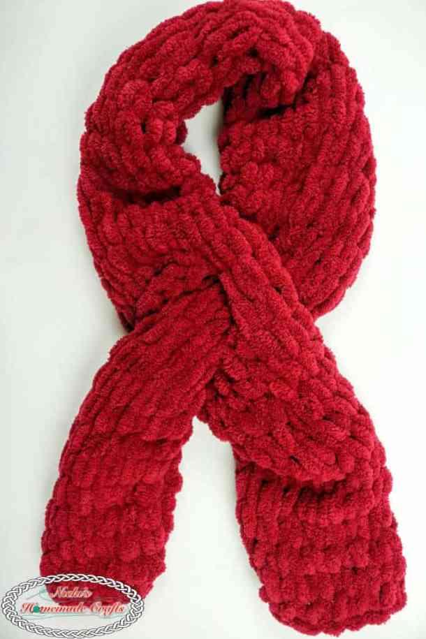 Easy Loop Scarf made with Blanket Ez yarn