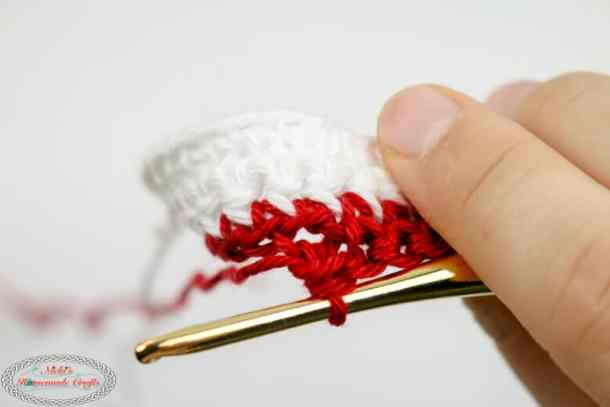 Left over loop of Shadow Crochet aka Illusion Crochet