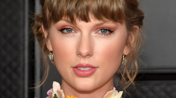 The Truth About Taylor Swift's Dating History