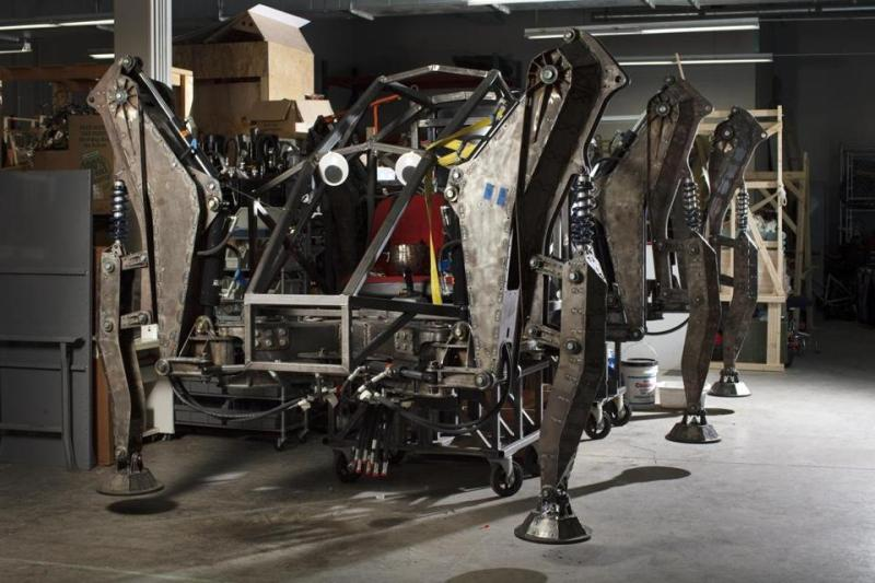 I recently got to visit Artisans Asylum in Somerville, MA, for the first time. Here's an article by Ethan Gilsdorf for the Boston Globe profiling their robot endeavors.