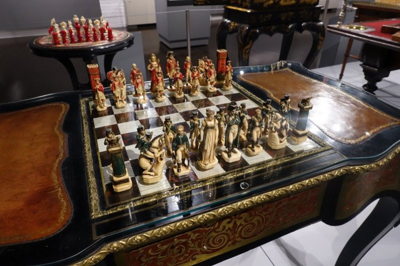 French Chess Table made from tortoiseshell, 1800, and French Battle of Waterloo Figural Ivory Chess Set, 1840