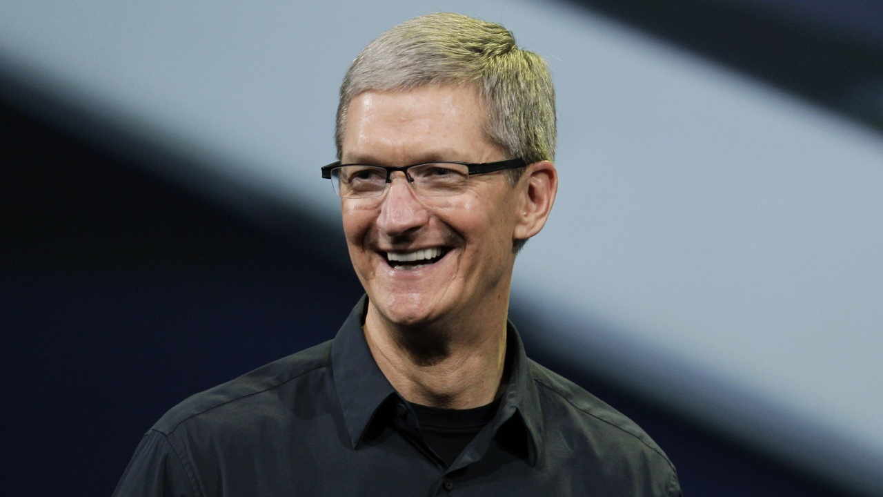 apple-ceo-tim-cook-proud-be-gay-opens-support-lgbt-issues.jpg