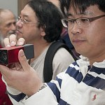 320px-Attendee_taking_photo_with_Lytro_light_field_camera_(front)