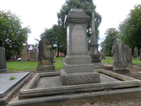Wood Green Cemetery 18