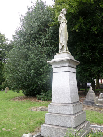 Wood Green Cemetery 7