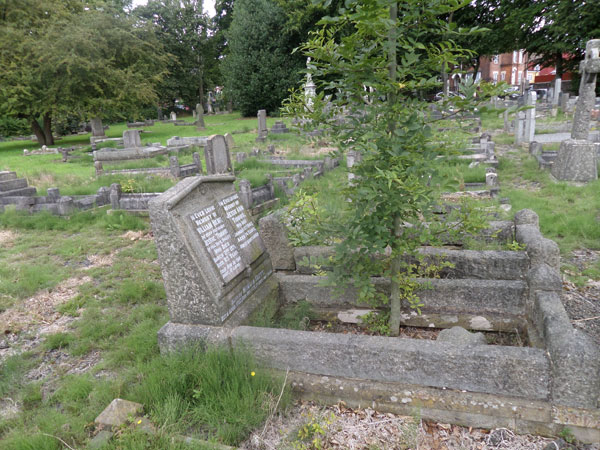 Wood Green Cemetery 8