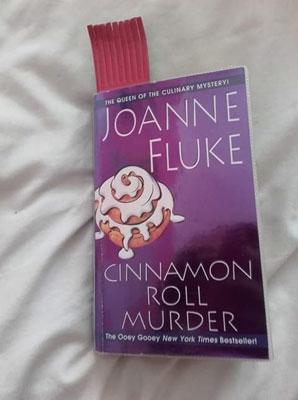 Cinnamon Roll Murder by Joanne Fluke