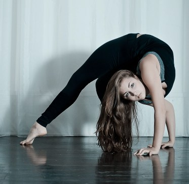 NicoleWinterContortion12