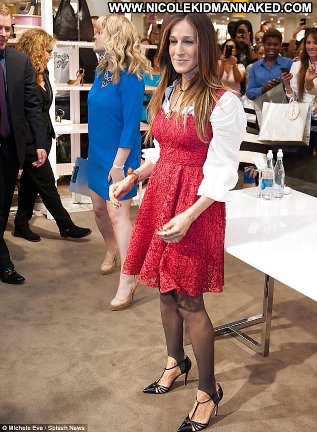 Sarah Jessica Parker Pictures Stockings Feet Famous Celebrity Posing