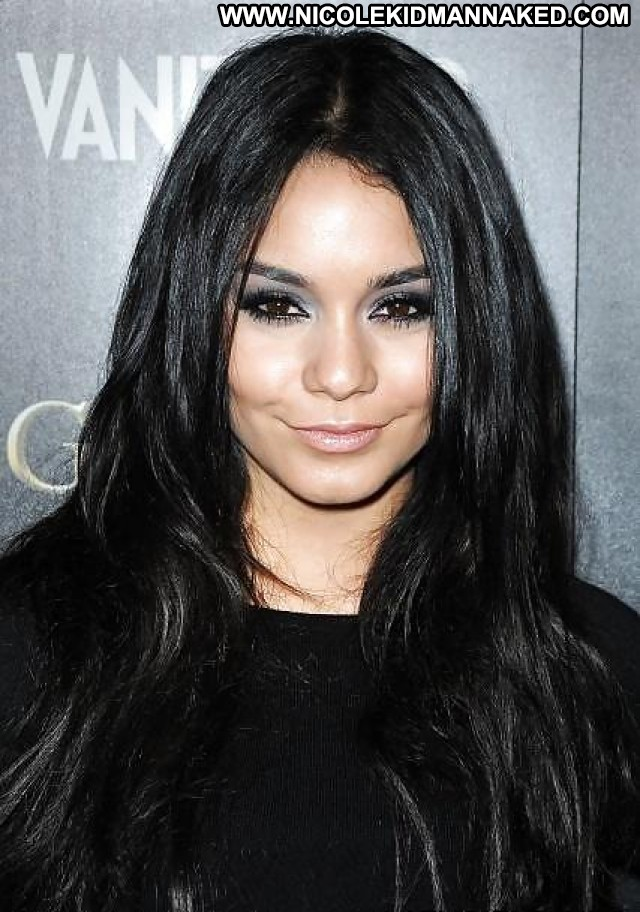 Vanessa Hudgens Pictures Celebrity Brunette Posing Hot Female Nude