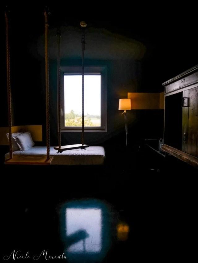Camera 60, unica con le altalene - Nicole Maranta