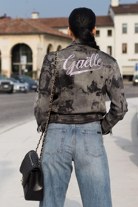 denim look fashion blogger