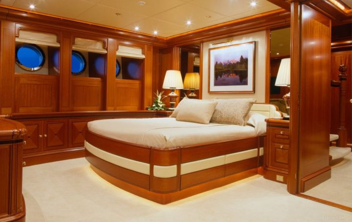 Athena guest room