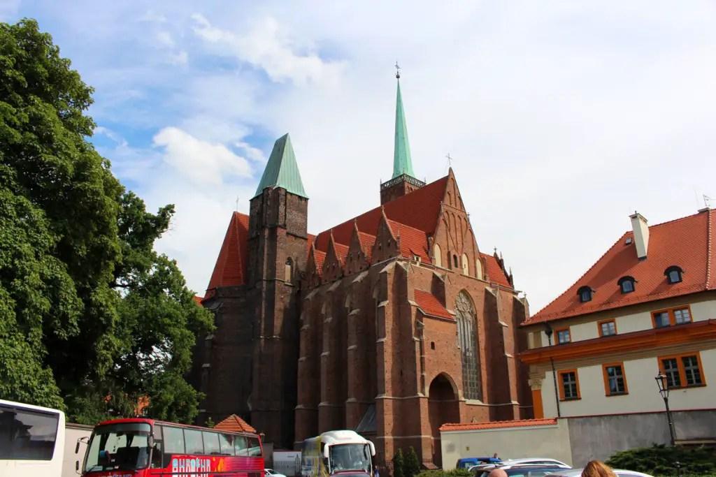 "tipps-breslau-staedtetrip-Heiligkreuzkirche ""width ="" 1024 ""height ="" 683 ""data-wp-pid ="" 9149 ""srcset ="" https://www.nicolos-reiseblog.de/wp-content/uploads/2018/ 11 / tipps-breslau-staedtetrip-Heiligkreuzkirche.jpg 1024w, https://www.nicolos-reiseblog.de/wp-content/uploads/2018/11/tipps-breslau-staedtetrip-Heiligkreuzkirche-300x200.jpg 300w, https: //www.nicolos-reiseblog.de/wp-content/uploads/2018/11/tipps-breslau-staedtetrip-Heiligkreuzkirche-800x533.jpg 800w, https://www.nicolos-reiseblog.de/wp-content/uploads /2018/11/tipps-breslau-staedtetrip-Heiligkreuzkirche-300x200@2x.jpg 600w ""sizes ="" (max-width: 1024px) 100vw, 1024px ""/></p data-recalc-dims="